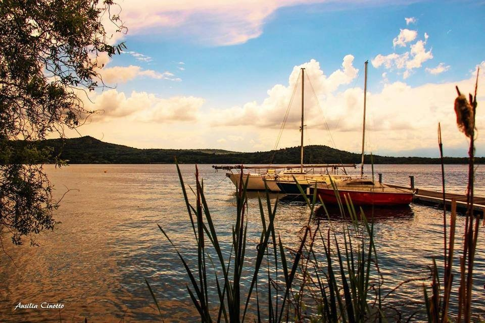 Lago di Viverone al tramonto