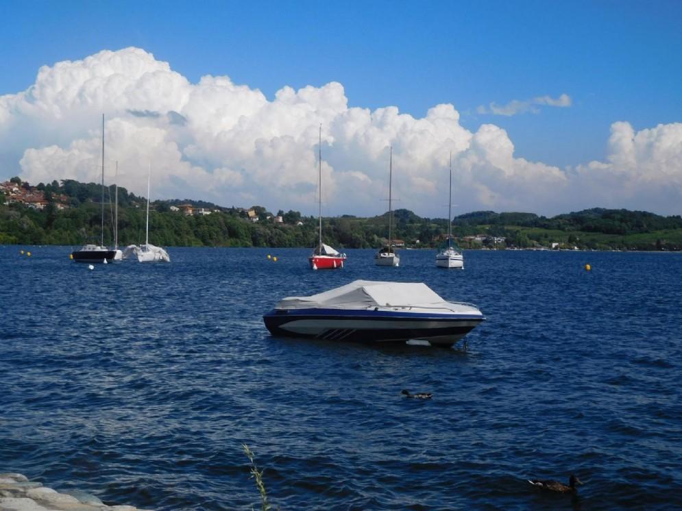 Nuvole bianche sul lago di Viverone