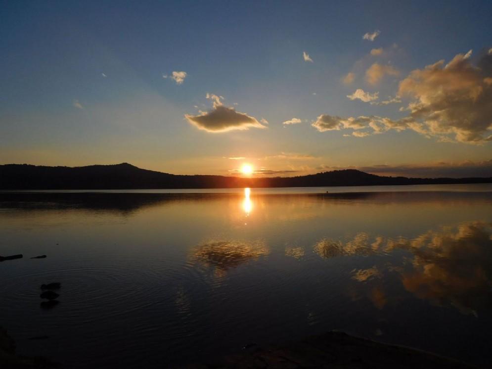 Tramonto sul lago di Viverone