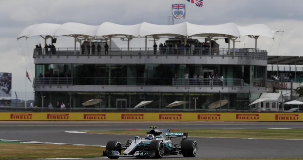 Valtteri Bottas, leader delle prove libere a Silverstone