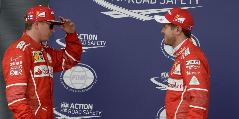 Kimi Raikkonen e Sebastian Vettel dopo le qualifiche di Silverstone