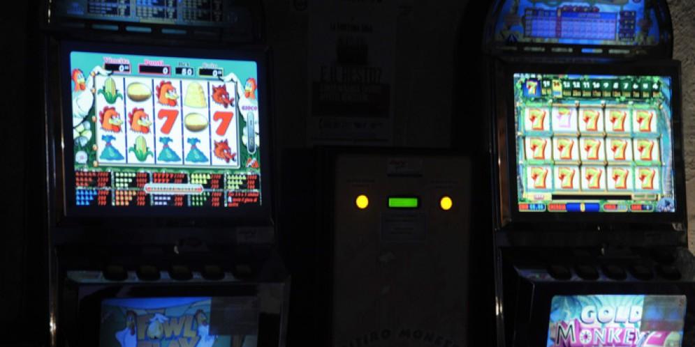 Videopoker e slot machines, il Tar del Piemonte dà ragione all'ordinanza del sindaco di Biella, Marco Cavicchioli