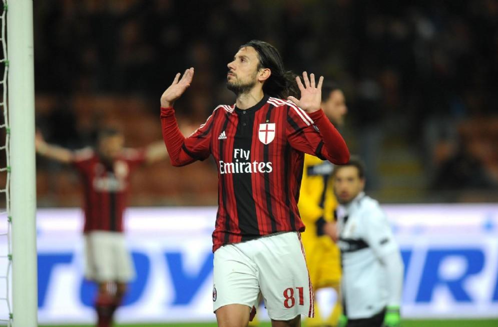 Cristian Zaccardo in azione con la maglia del Milan