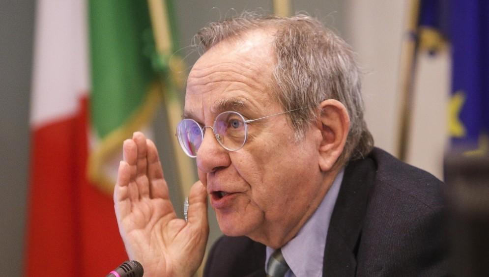 Renato Brunetta lancia l'allarme sui conti pubblici italiani.