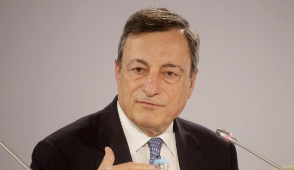 Il banchiere centrale Mario Draghi è intervenuto in conferenza stampa dopo il Consiglio direttivo della Bce.