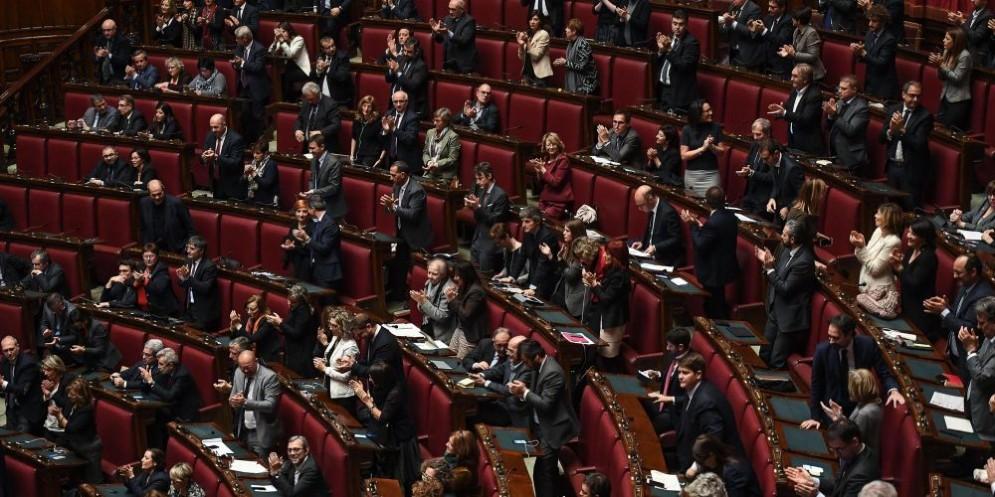 Vitalizi la legge passa alla camera ora attesa al senato for Vitalizi alla camera