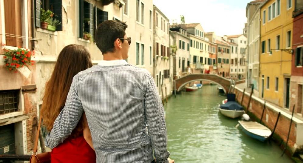 Gli italiani vogliono partire per le vacanze, l'indice di fiducia è il più alto dell'anno