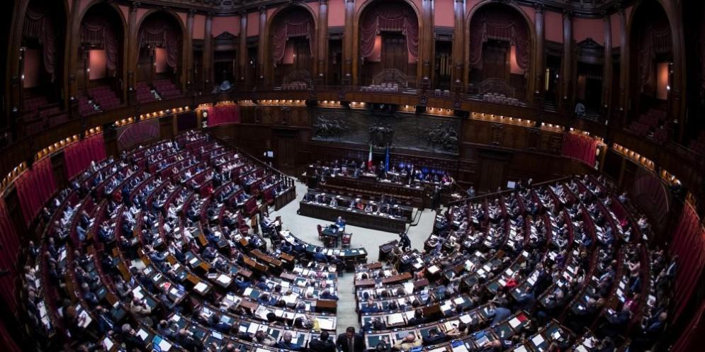 Il Senato ha respinto la richiesta d'urgenza del M5S sulla legge per i vitalizi.