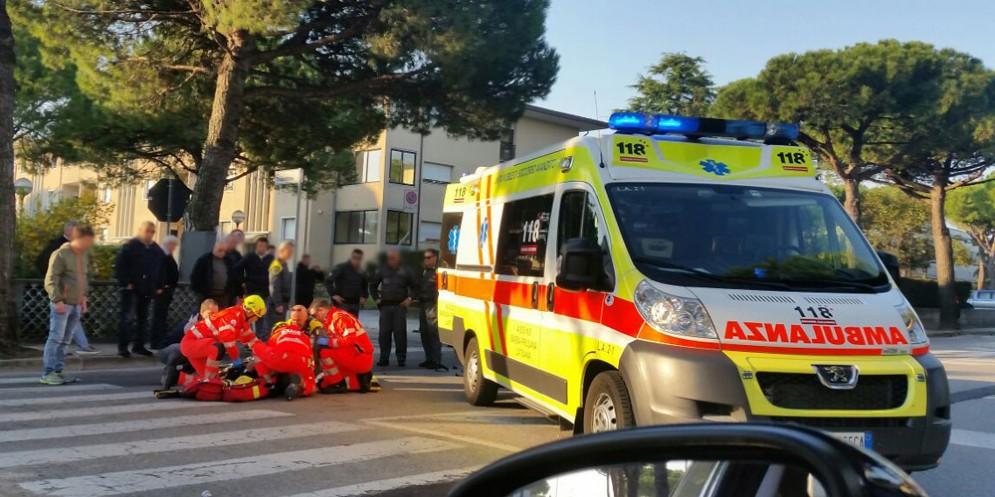 Scontro tra auto: due profughi finiscono in ospedale