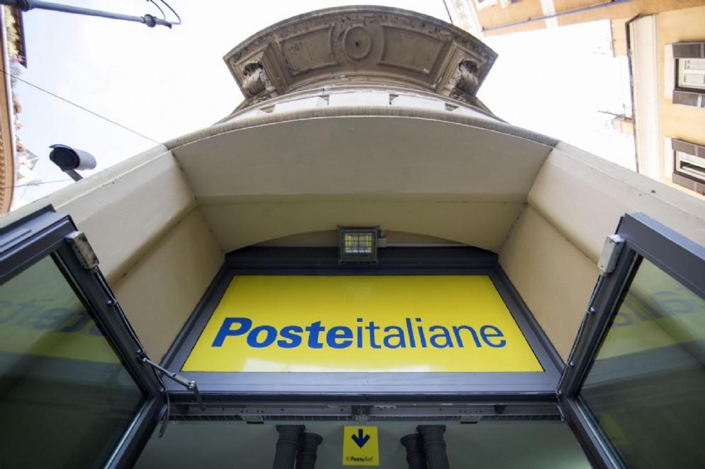 Poste Italiane assume in tutta la Liguria: come candidarsi