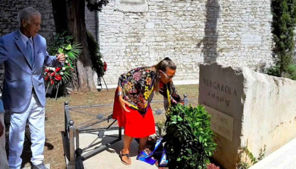 Un momento della commemorazione della strage di Vergarolla