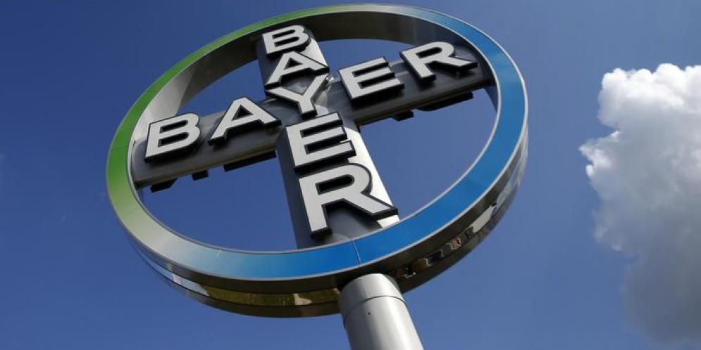 Dubbi Ue sulla fusione tra Bayer e Monsanto, indaga l'Antitrust