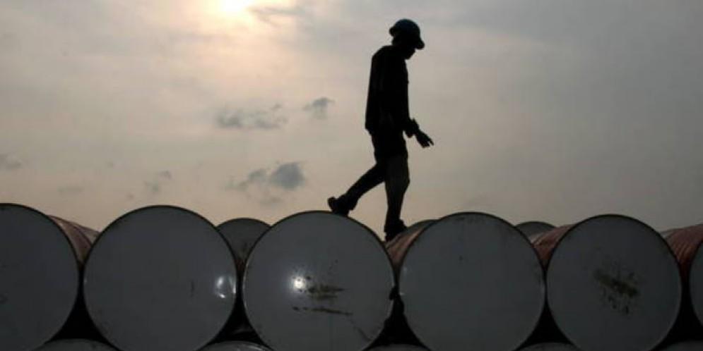 L'Opec si riunirà il 30 novembre per discutere se estendere o porre fine all'accordo sul taglio della produzione di petrolio