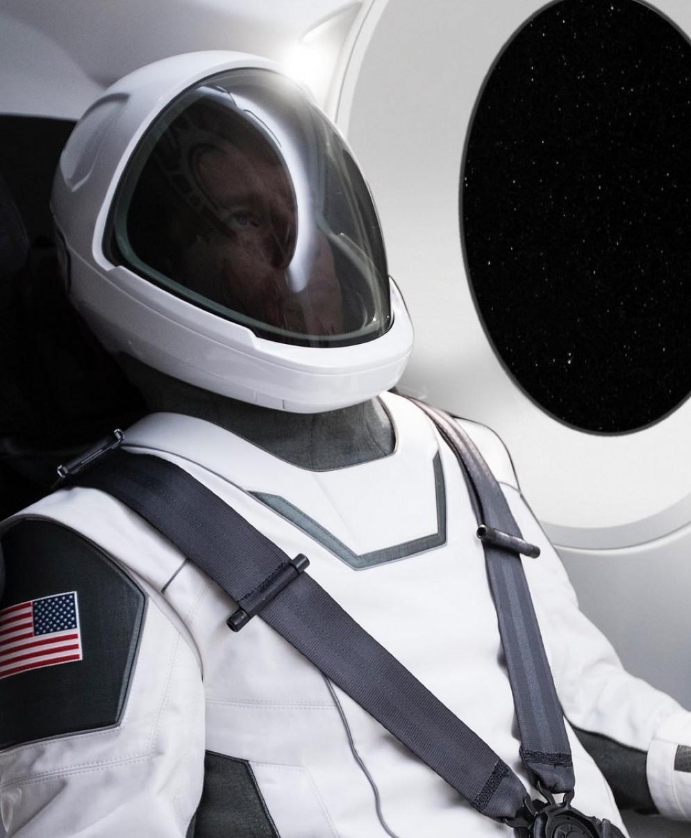 Elon Musk svela la tuta spaziale ma riuscirà ad andare su Marte?