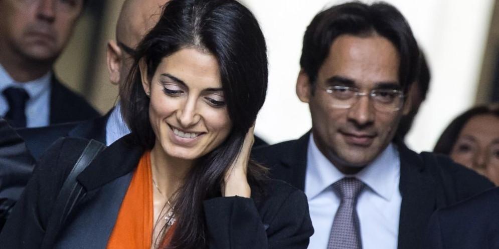 La sindaca di Roma Virginia Raggi con l'ex assessore al Bilancio Andrea Mazzillo
