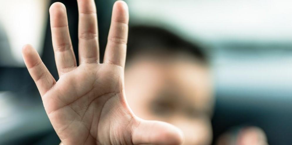 Ancora abusi sessuali su minori. Accade a Reggio Emilia