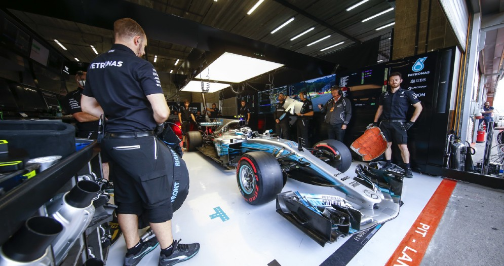 La Mercedes di Valtteri Bottas nei box a Spa
