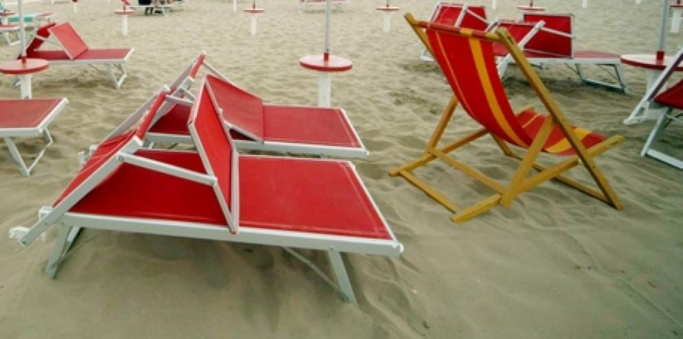 La spiaggia di Rimini, dove una donna è stata violentata davanti al marito impotente, anche lui aggredito e derubato