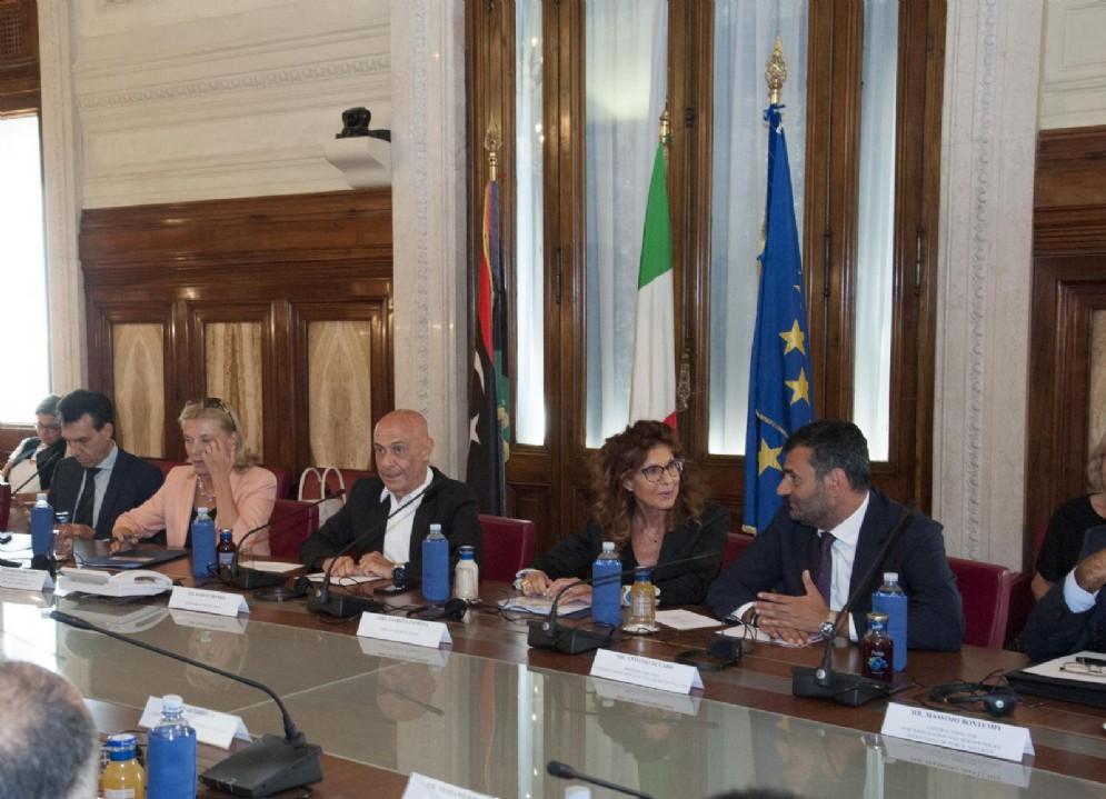 Un momento dell'incontro al Viminale tra il ministro dell'Interno, Marco Minniti, e i sindaci delle comunità libiche