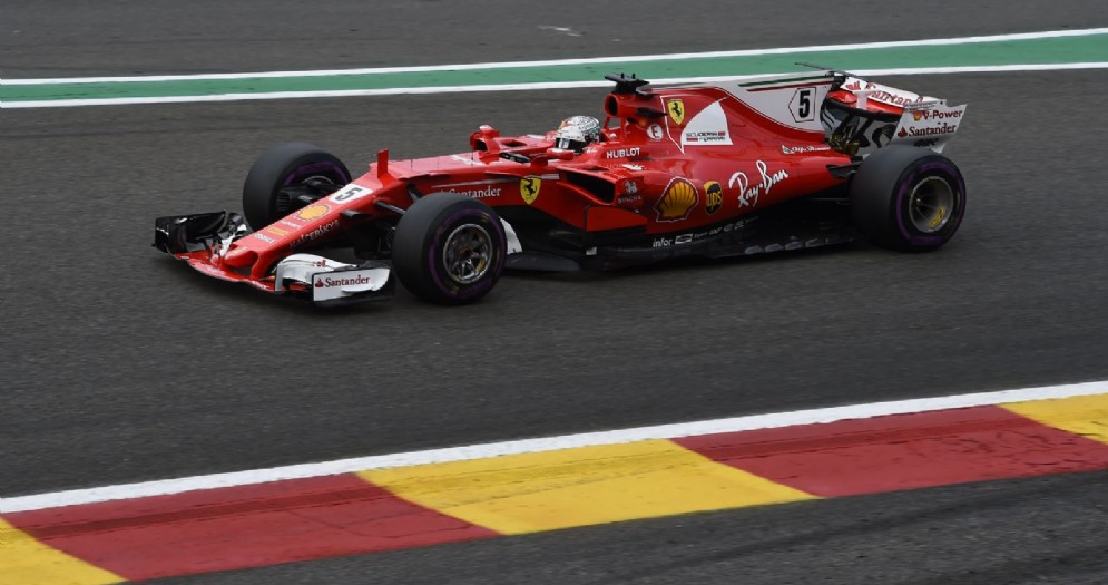 Sebastian Vettel in azione durante il GP del Belgio in cui ha chiuso secondo
