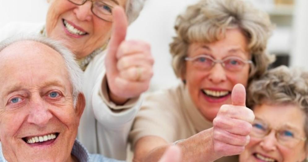 Il 49% degli anziani pensa «positivo» e si sente in credito con lo Stato