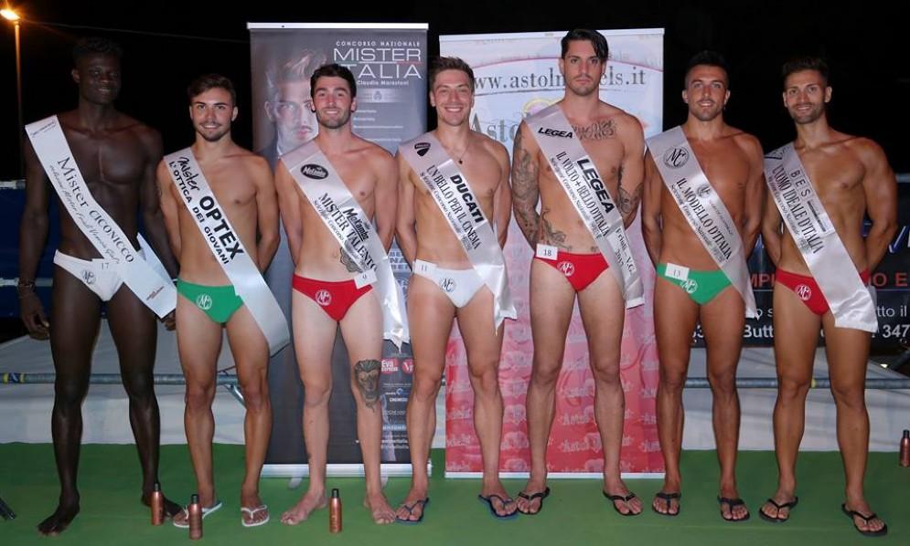 Il gruppo di finalisti a Mister Italia