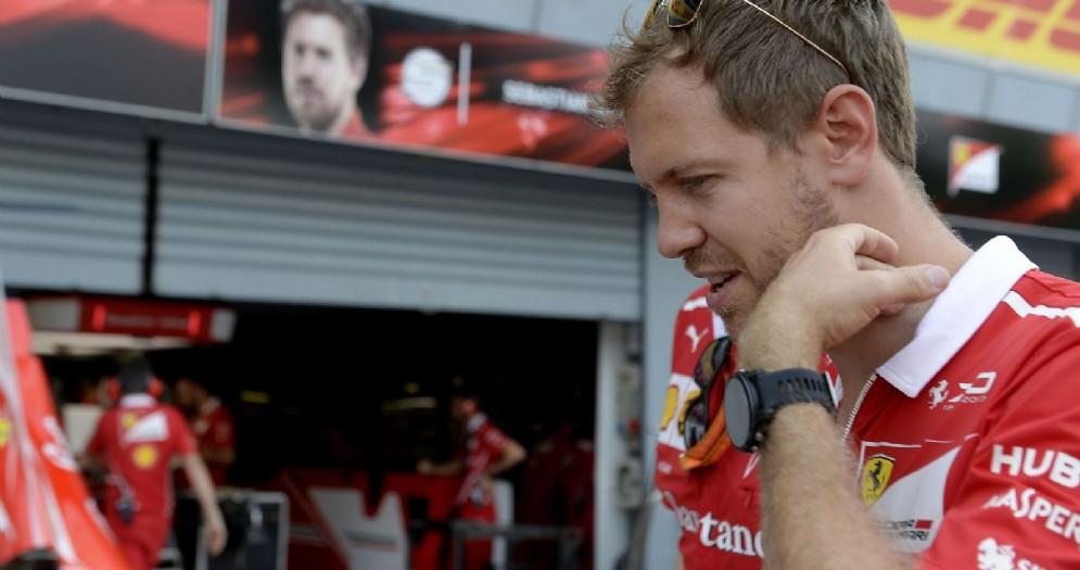 Sebastian Vettel nella corsia dei box di Monza