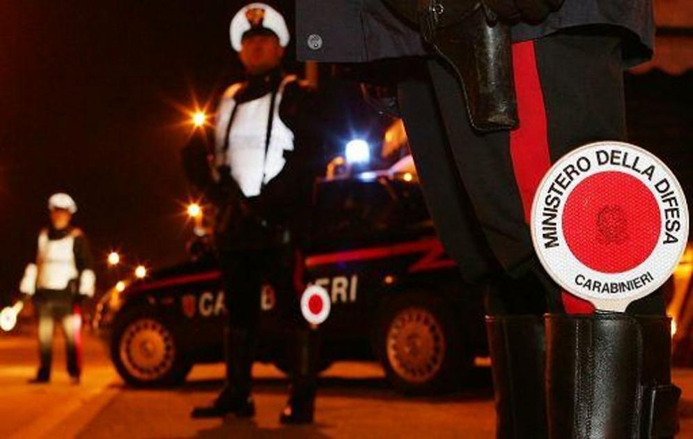 Controlli dei carabinieri di Torino nel quartiere di San Salvario