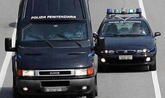 Mezzi della Polizia penitenziaria