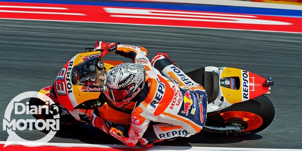 Marc Marquez in azione sulla sua Honda nelle prove libere a Misano