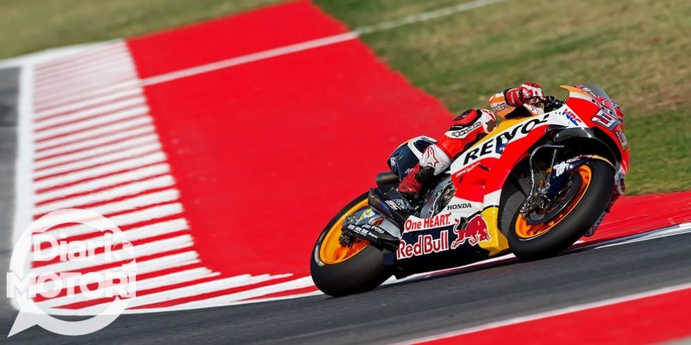 Marc Marquez in sella alla sua Honda nel GP di San Marino