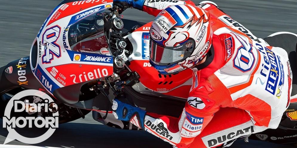 Andrea Dovizioso in azione sulla sua Ducati a Misano