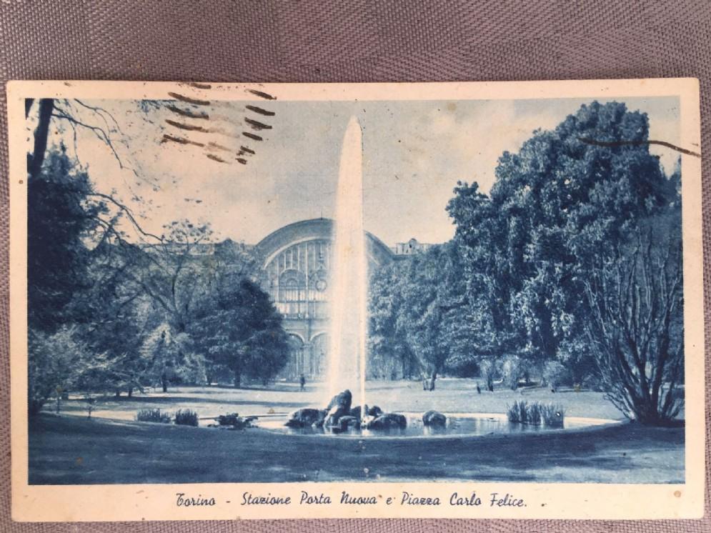 Piazza Carlo Felice e Porta Nuova sullo sfondo