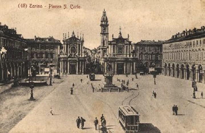 Piazza San Carlo in una veste inedita