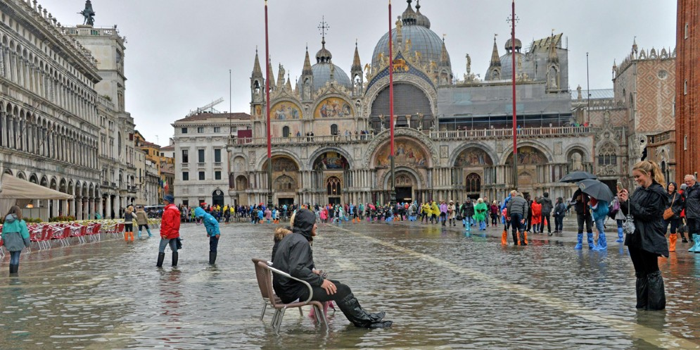 A Venezia torna l'acqua alta: marea a 103 centimetri