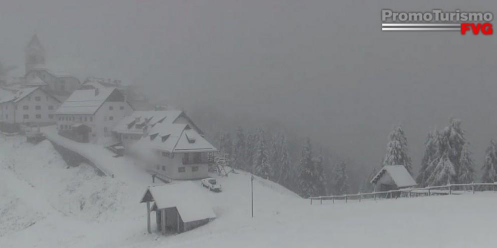 Sul Monte Lussari la prima nevicata 'della stagione' (© PromoTurismoFVG)