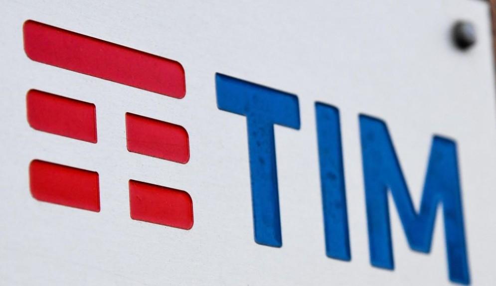 Per la Consob Vivendi esercita un controllo di fatto su TIM.