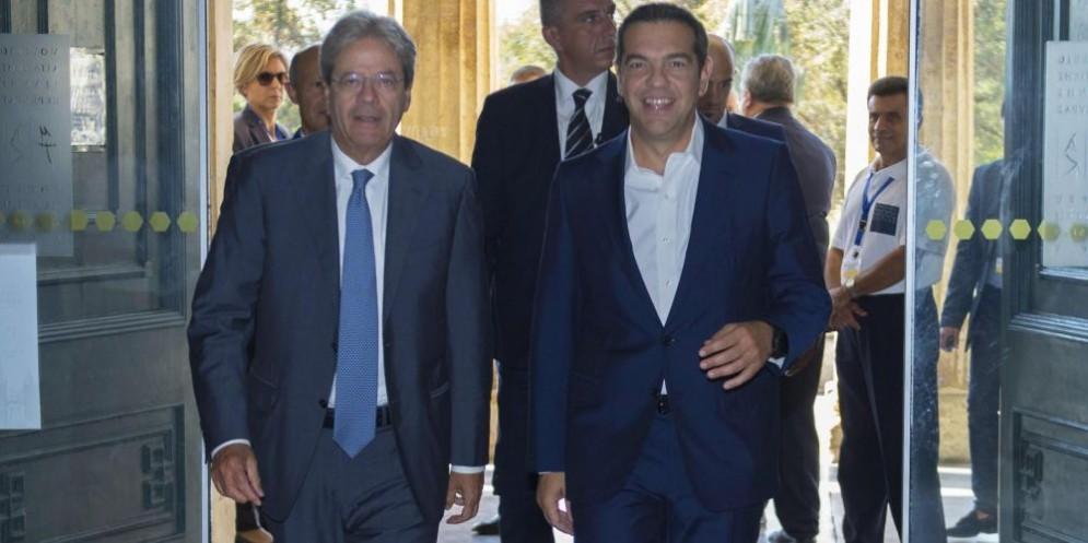 Il premier Paolo Gentiloni e il primo ministro greco Alexis Tsipras
