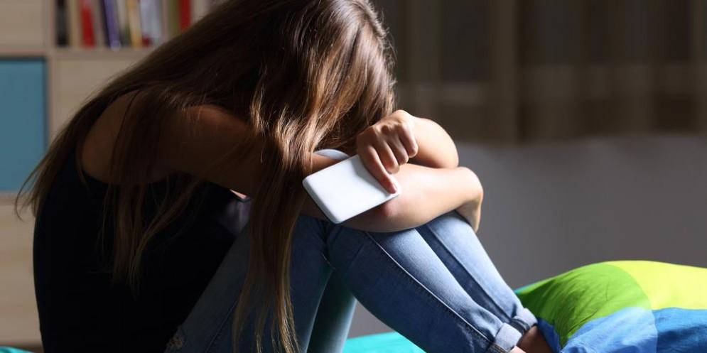 Cyberbullismo, molti bambini con smartphone ne sono vittime