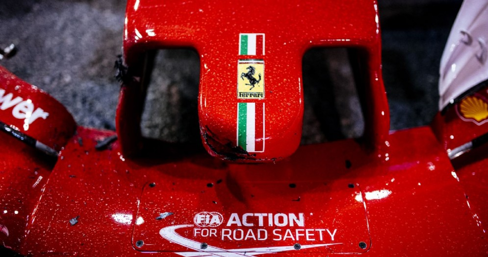 Il musetto incidentato della Ferrari dopo la partenza di Singapore