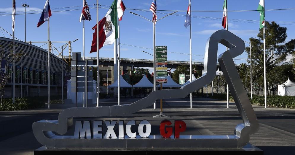 Uno degli ingressi dell'Autodromo Hermanos Rodriguez di Città del Messico