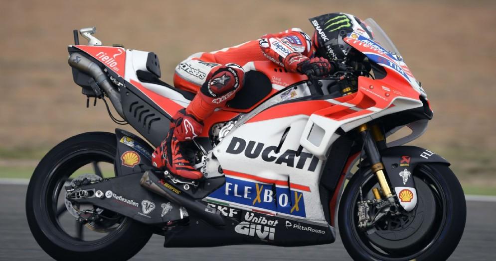 Jorge Lorenzo in sella alla Ducati nelle prove libere del GP di Aragona