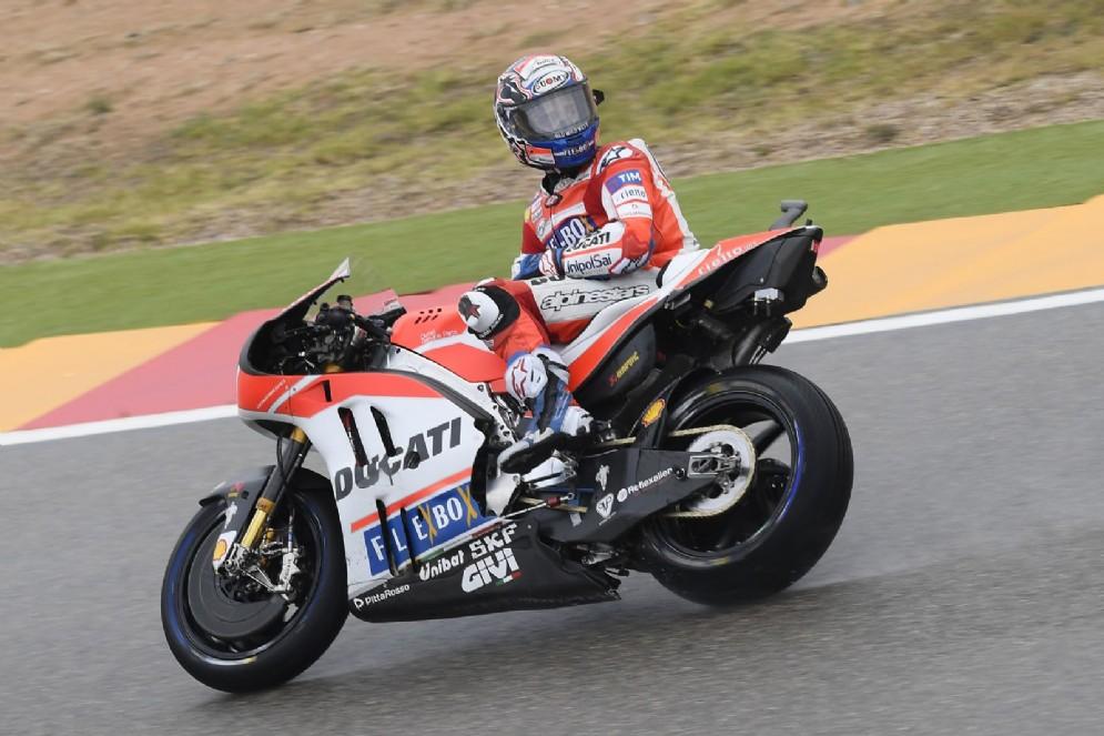 Andrea Dovizioso in azione al venerdì del Motorland