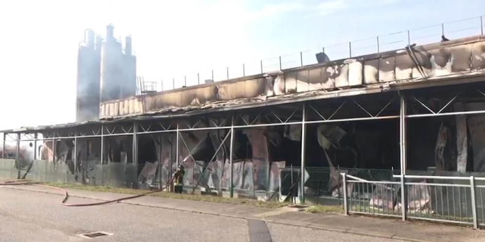 Lo stabilimento Roncadin interessato dall'incendio
