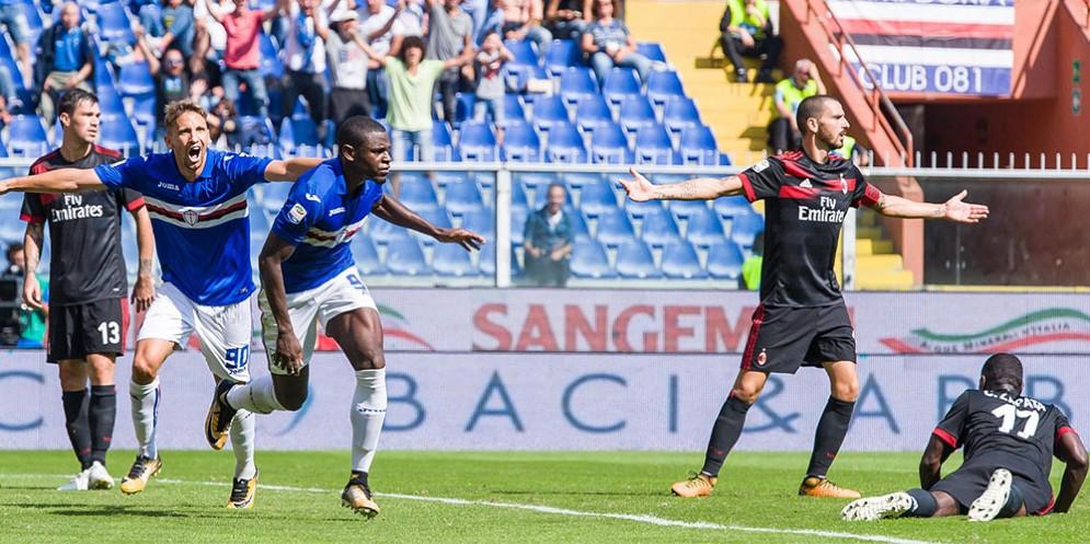 Bonucci a braccia spalancate e Zapata desolatamente a terra, mentre Zapata segna il gol del vantaggio doriano