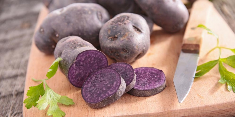 Patate viola proteggono dal cancro all'intestino