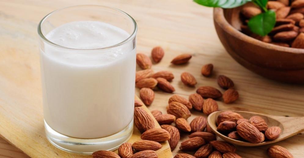 Latte vegetale contiene poco iodio