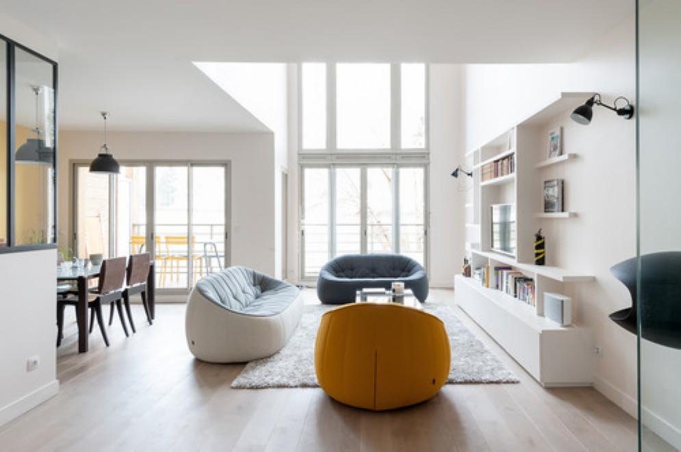 Le regole per illuminare un soggiorno piccolo