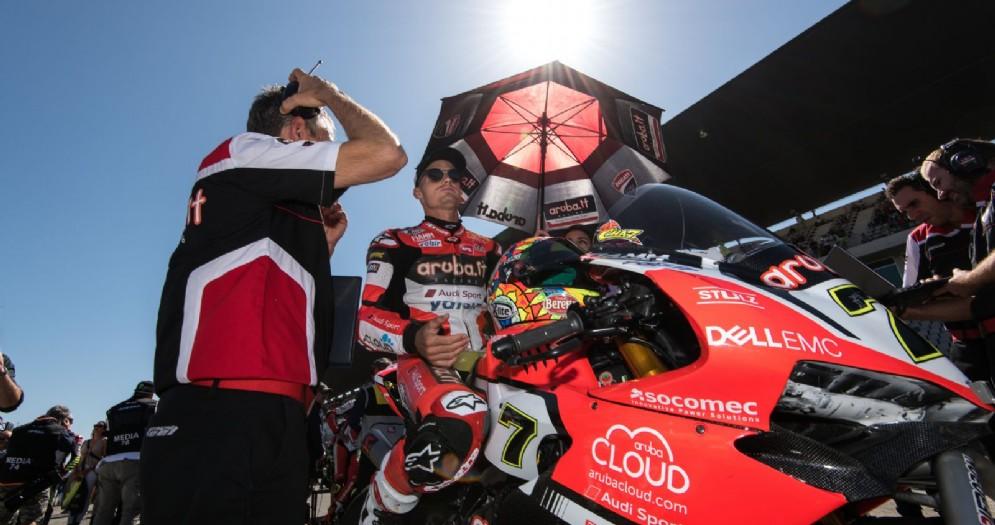 Chaz Davies in sella alla Ducati sulla griglia di partenza