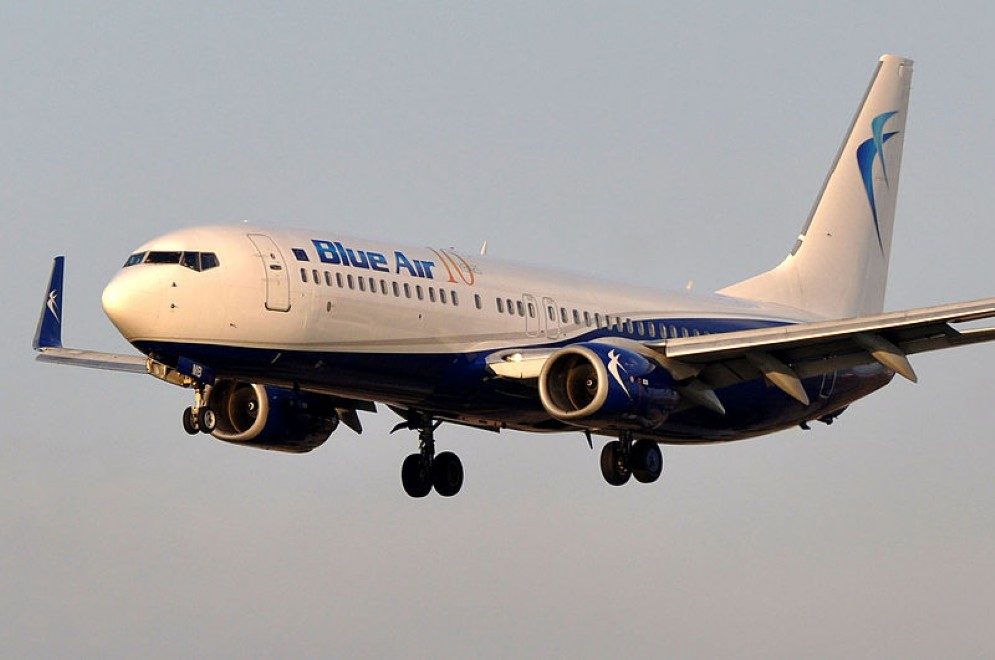 Aereo Blue Air in volo